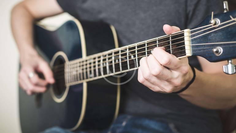 Guitar/Bass Guitar Lessons